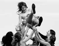 quinceañera con amigas
