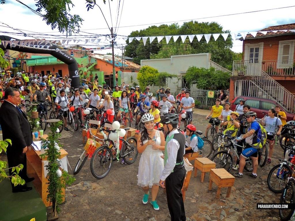 La Bici-Boda de Richard y Amanda | El Gran Día.com.py
