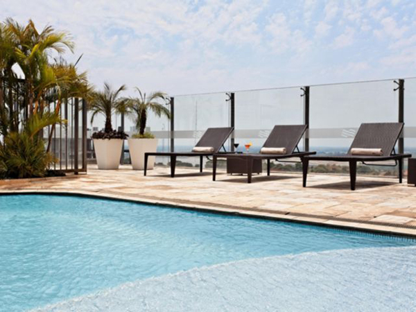 crowne-plaza-asuncion-piscina-elgrandia