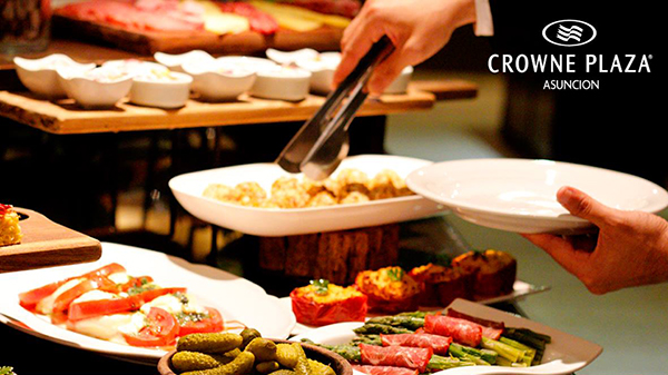 buffet-crowne-plaza-elgrandia