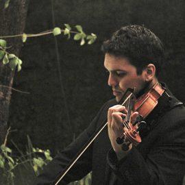 Paul Fields Music: El pop en violín que sorprende en las bodas y 15 años de Paraguay