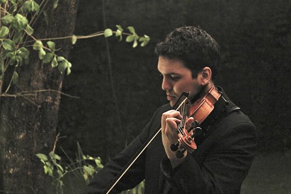 Paul Fields Music: El pop en violín que sorprende en las bodas y 15 años de Paraguay | El Gran Día