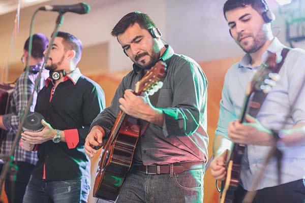 Los-Jaraneros-grupo-musical-para-bodas-y-eventos-elgrandia-10
